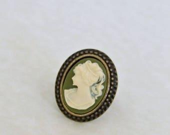 Green Cameo Ring .. small ring, green ring