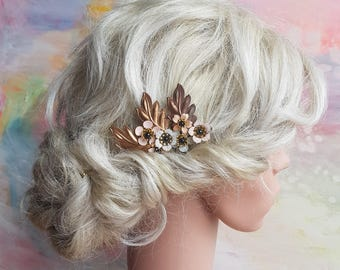 Vintage look haircomb with handpainted flowers in blush and gold. Rustic boho floral hairpiece. Romantic bridesmaid flowergirl partywear