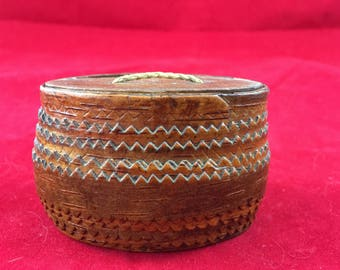 Antique Needle Box Folk Art Sewing Notions thread sew stitch primitive country vintage rustic cottage chic cabin fabric material sewing