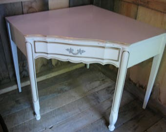 Great French Provincial Style Corner Desk By Dixie Furniture. Mint.