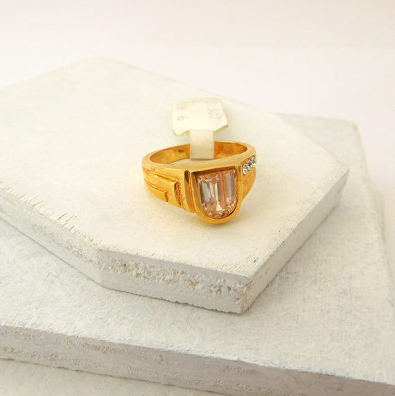 Vintage Art Deco Style 18K Gold Electroplate Cubic Zirconia Ring Size 6 CC39