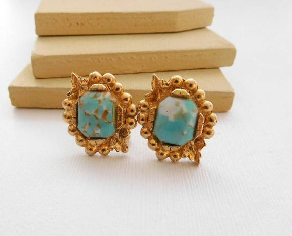 Vintage White Brown Glass Turquoise Gold Tone Screw Back Earrings YY4