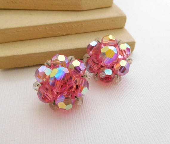 Vintage Pink Genuine Bead Cluster Flower Clip On Earrings B11