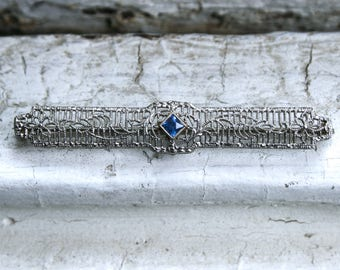 Vintage Filigree Sapphire Bar Pin/ Brooch in 14K White Gold.