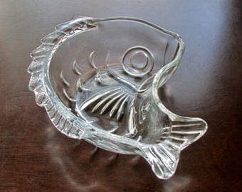 Fish Nuts or Candy Bowl Clear Glass Marine/Nautical Decor