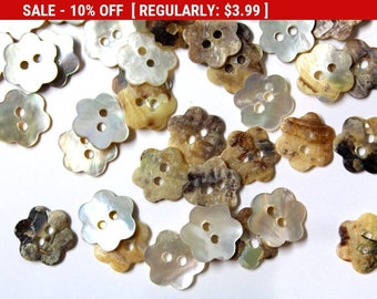 100 Flower Shell Mother of Pearl Buttons for Sewing