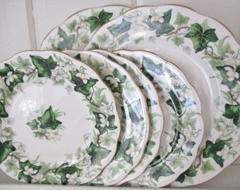 ROYAL ALBERT IVY plates, set of 6 china plates, 4 bread and butter plates and 2 salad plates, Ivy Lea pattern, excellent condition