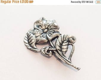 Half Price Sale Silver Flower Pin, Vintage Jewelry SPRING SALE