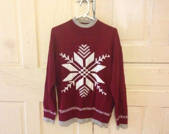 Mens Holiday Snowflake Sweater - size LARGE