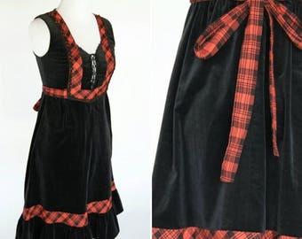 SUMMER SALE Vintage 70's Black Velvet and Red Plaid Prairie Dress - Candi Jones - Gunne Sax Style - Grunge Goth Rocker Prom Dress - ladies s