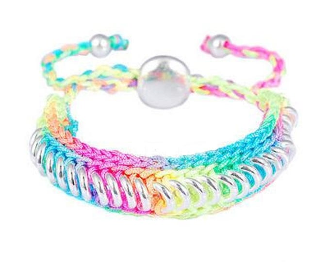 Bracelet multicolored neon cord with rings