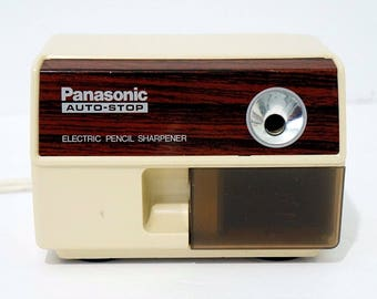Vintage Panasonic Auto-stop Electric Pencil Sharpener KP-110 Beige Suction Cup Feet