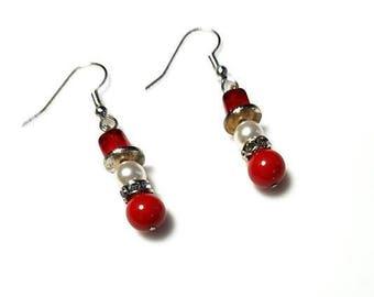 red white Swarovski pearl snowmen earrings hypoallergenic nickel free earrings winter snowmen earrings Christmas holiday snowman jewelry
