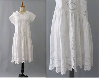 1990s white cotton embroidered dress/ 90s indian dress medium