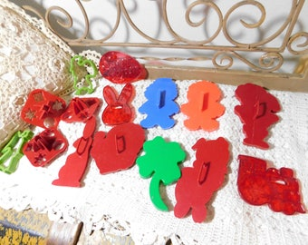 Cookie Cutters, Group of Cookie Cutters Most Tupperware, Tupperware Cookie Cutters, Cookie Cutters, :)s**