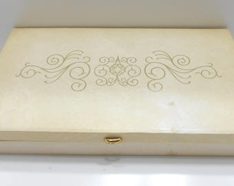 Vintage Beige Leatherette Jewelry Box (22) 21 Sections--Lidded Mirror