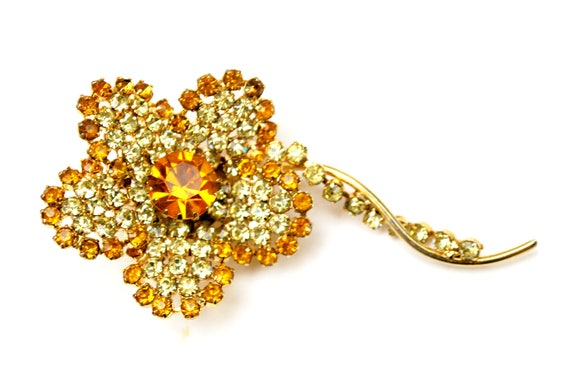 Flower Brooch - Yellow orange Rhinestone - gold tone setting  - Daisy Floral Pin