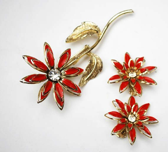 Enamel  Flower Brooch earring set - orange red gold metal - Clear Rhinestone - Mid Century