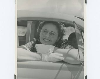 Vintage Photo Snapshot: Girl in Car Window, c1950s (76586)