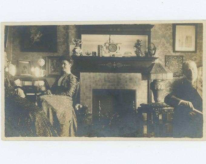 Vintage Snapshot Photo: Parlor, c1900 (75583)
