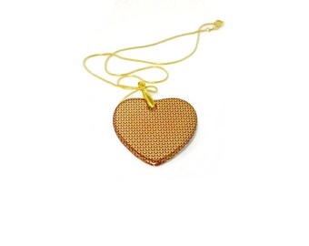 porcelain Chinese motif and red heart jewelry gold