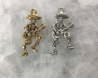 Skeleton Charm With Guitar, Day of The Dead, 30mm, Dancing, Dangle Legs, Pewter, Dia De Los Muertos