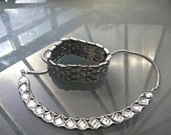 Gift boxed beautiful handcrafted vintage necklace ajustable back fastener 24/28inches with matching bracelet