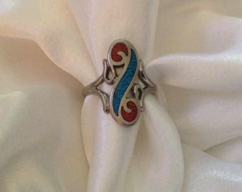 Vintage Native Red Coral & Turquoise Ring.  ( Size 8)