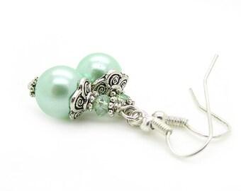 Mint Green Pearl Earrings, Mint Bridesmaid Jewellery, Pastel Wedding, Bridal Party Gifts, Pearl Drop Earrings, Small Pearl Earrings,