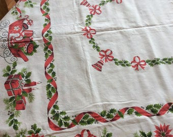 Christmas Tablecloth, Vintage, Red and Green