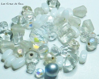 1 x set of 14g beads transparent and white theme