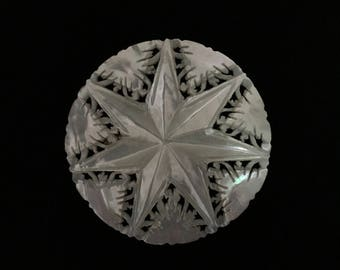 Vintage Mother of Pearl 7 Point Star Brooch (ABX1C)