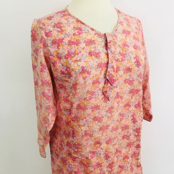 Mod dress 1960s floral print pale pink peach UK 14 vintage scooter girl neck tie shift ditsy dolly wedding 60s