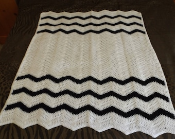 White and Black Chevron Baby Blanket/White and Black Ripple Baby Afghan/White and Black Crocheted Baby Afghan/Multi Color Baby Blanket