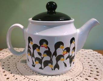 Sadler Penguin with bowtie teapot black and white rare design