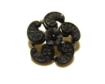 Victorian Black Onyx Rolled Gold Pinwheel Flower Mourning Brooch