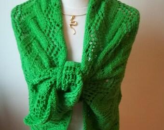 Dans mon Jardin il y a... : Châle court/écharpe tricoté main 100% laine d'agneau