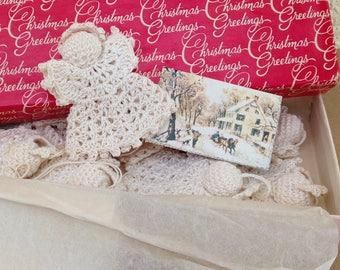 Vintage Crochet Angels gift box card retro 1970s 11 boxed identically Christmas ornaments Baby Shower favor Wedding soft holiday white