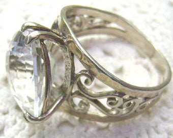 Vintage Sterling Silver White Topaz Filigree Ring...Signed PZ ISRAEL...Size 10...Faceted Topaz Ring...Scrolled Border