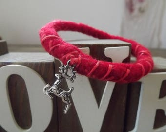 Felted Christmas Bangle with stitch and reindeer - perfect as a little stocking filler.