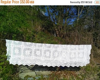 Summer sale -20% White tablecloth.Crochet tablecloth. Handmade tablecloth. Swedish tablecloth. Vintage 1970'.