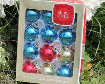 Beautiful Vintage Set of 12 Christmas Tree Balls in Original 1965 Box by Shiny Brite
