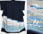 Kuro tomesode Mount Fuji ...