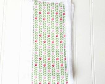 Rosy Wreath Burp Cloth