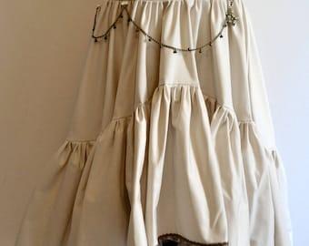 skirt (Front of the shorter skirt) steampunk off white