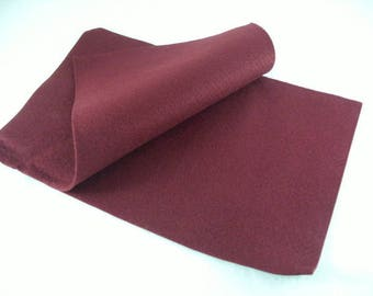 2 dark red felt sheets (542)