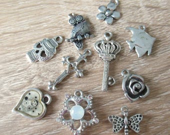 set of 10 silver metal charms