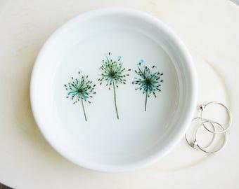 Minimalist Flower Ring Dish, Small Bowl, Delicate Ceramic Dish, Small Trinket Tray, Jewelry Organizer, Desk Organizer