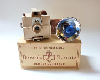 Vintage Imperial Brownie Scouts Camera, Flash, Manual, Original Box/ Girl Scout Camera