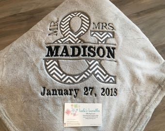 Mr & Mrs Personalized fleece blanket, Embroidered Split And, Wedding Gift